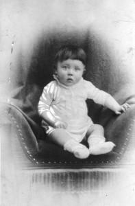 ADN-ZB Adolf Hitler faschistischer Führer, Hauptkriegsverbrecher. geb: 20.4.1889 in Braunau (Inn) gest: (Selbstmord) 30.4.1945 in Berlin Kinderbildnis Bundesarchiv_Bild_183-1989-0322-506,_Adolf_Hitler,_Kinderbild